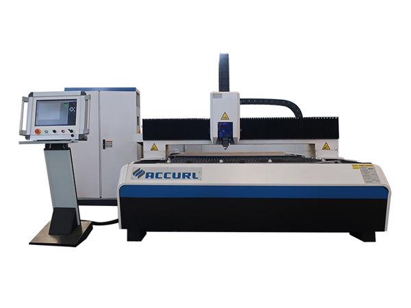 Macchina da taglio laser a fibra di precisione 500w con superficie pulita e sistema di raffreddamento ad acqua
