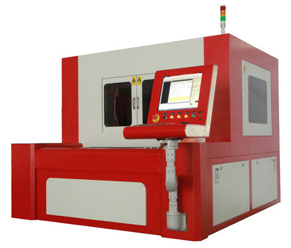 Macchina da taglio laser a fibra 380v 50 / 60hz per parti metalliche ad alta precisione